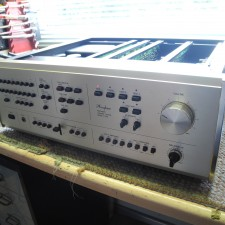 Accuphase C-240